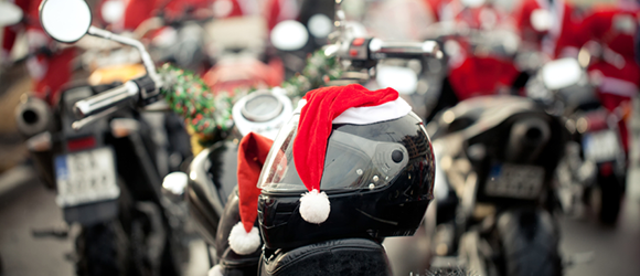 Find suggestions for last-minute motorcycling gifts at CycleSoup.com.